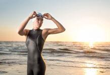 Czym cechują się triathlonowe stroje damskie
