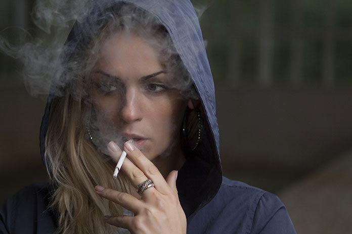 Pięć sposobów na rzucanie palenia